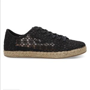 NWOT Toms Lena Crochet and Lace Sneaker - 7